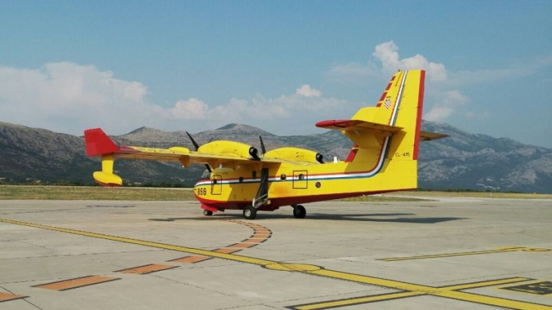f_800_450_16119285_00_images_Canadair_65_can2s.jpg