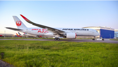 Read more: First JAL A350-900 rolls-out of Airbus paint shop