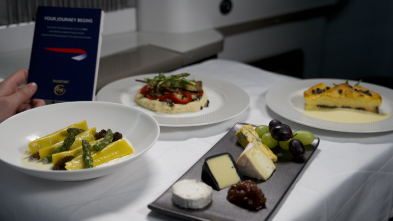 f_800_450_16119285_00_images_1NOVO_British_Airways_BA_First_Class_Food_in_Shop_3_Foto_c_British_Airways.png
