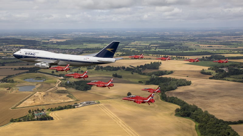 f_800_450_16119285_00_images_1NOVO_British_Airways_British_and_RedArrows_BA_and_RedArrows4_Foto_British_Airways.png