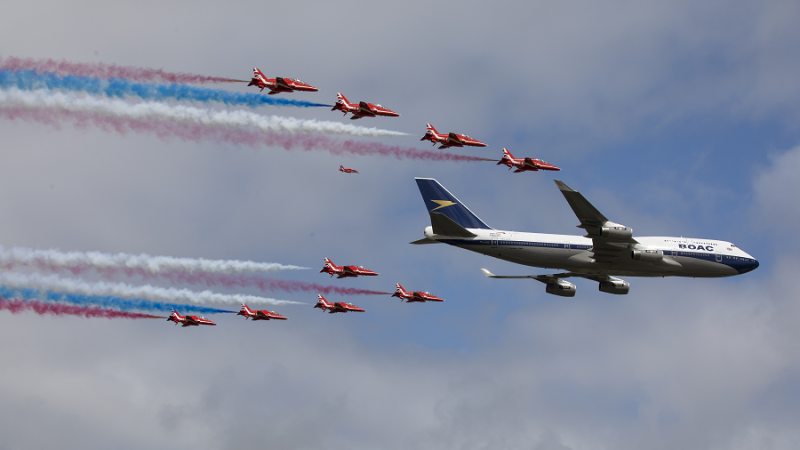f_800_450_16119285_00_images_1NOVO_British_Airways_British_and_RedArrows_BA_and_RedArrows9_Foto_British_Airways.png