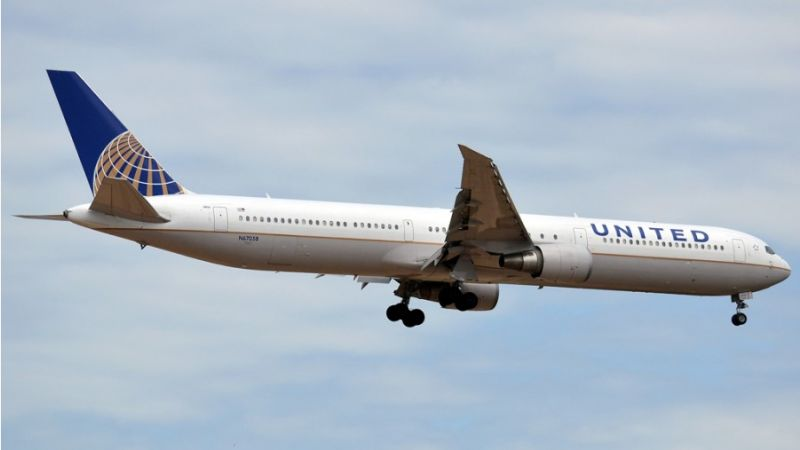 United Airlines Boeing 767-400
