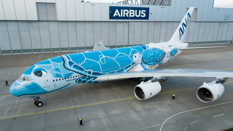 f_800_450_16119285_00_images_ANA_First-A380-ANA-rolls-out-1-Foto-Airbus.png