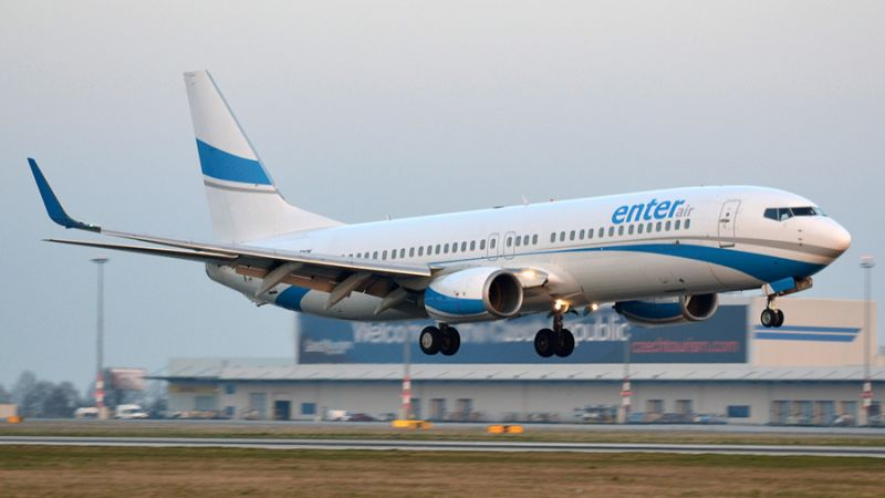 Enter Air Boeing 737-800