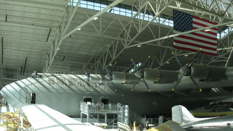 f_800_450_16119285_00_images_Hughes_H-4_Hughes_H-4_Hercules_flying_boat_the__Spruce_Goose__at_the_Evergreen_Aviation__Space_Museum_1.jpg