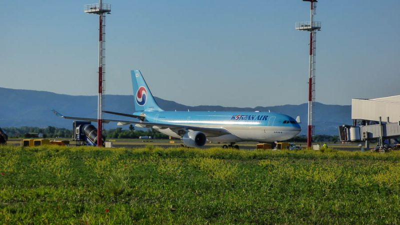 f_800_450_16119285_00_images_Korean_Air_KE_332_HL8227_ZAG_2017_KM_2.jpg
