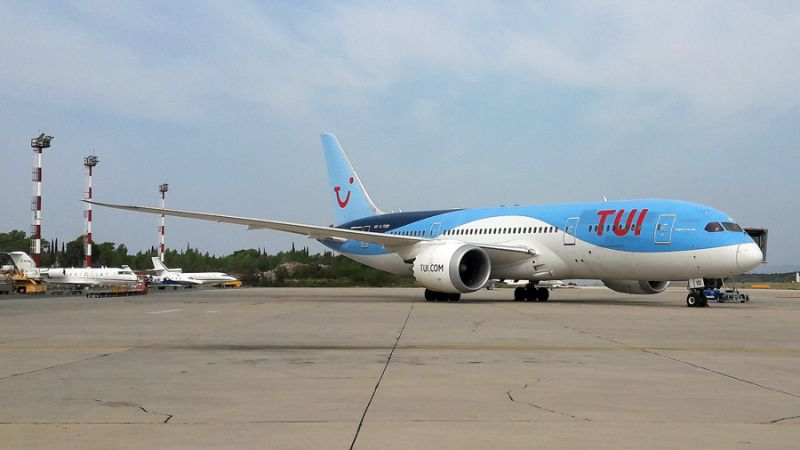 TUI Airways Boeing 787-8 Dreamliner